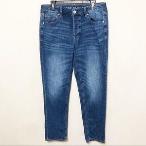 NWOT AEO Tomgirl Button Fly Jeans Sz 12